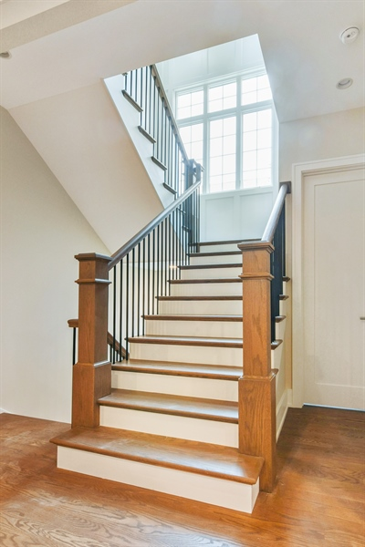 Real Estate Photography - 1927 W Oakdale Ave, Chicago, IL, 60657 - Staircase