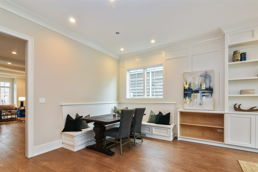 Real Estate Photography - 1927 W Oakdale Ave, Chicago, IL, 60657 - Breakfast Nook
