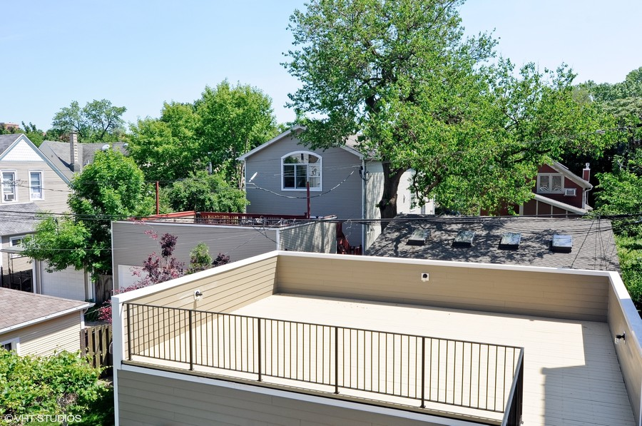 Real Estate Photography - 1927 W Oakdale Ave, Chicago, IL, 60657 - Garage Roof Top Deck