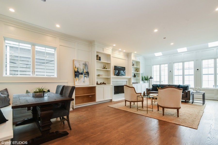 Real Estate Photography - 1927 W Oakdale Ave, Chicago, IL, 60657 - Family Room