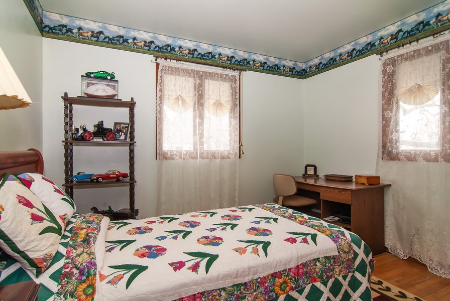 Real Estate Photography - 390 LRA Dr, Aurora, IL, 60506 - 2nd Bedroom