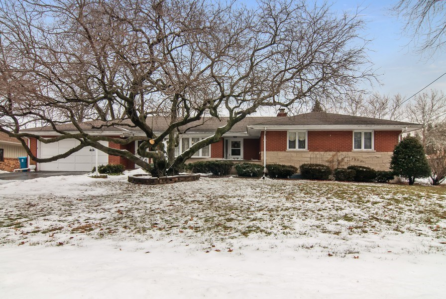 Real Estate Photography - 390 LRA Dr, Aurora, IL, 60506 - Front View