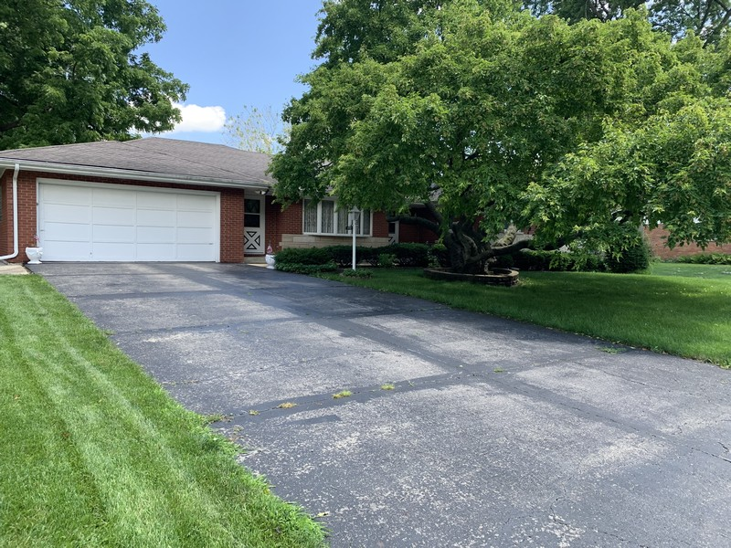 Real Estate Photography - 390 LRA Dr, Aurora, IL, 60506 -