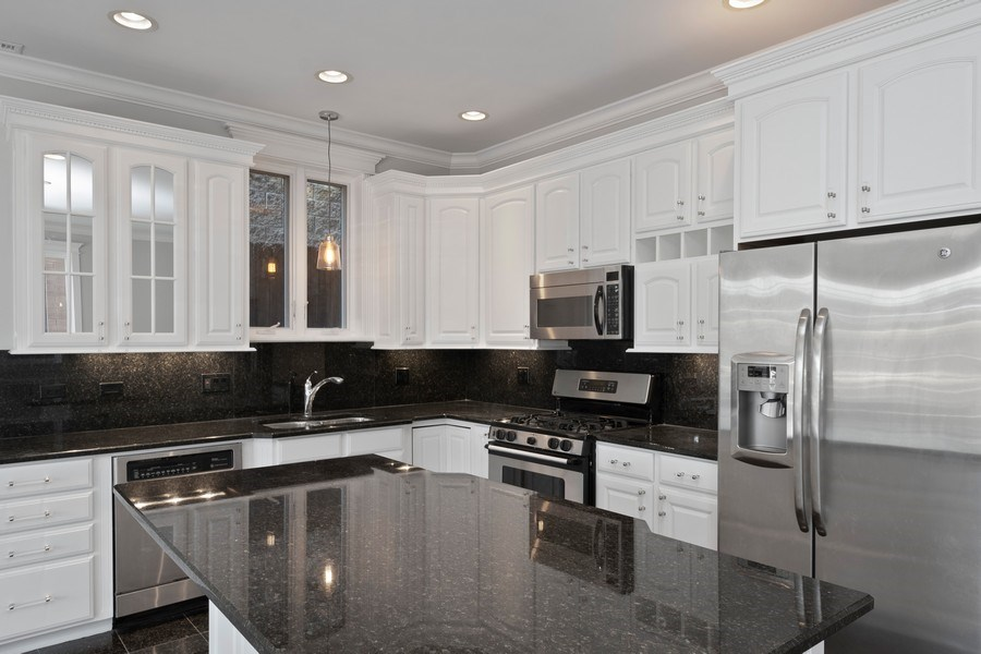 Real Estate Photography - 1363 N Mohawk, Unit 1, Chicago, IL, 60610 - Kitchen