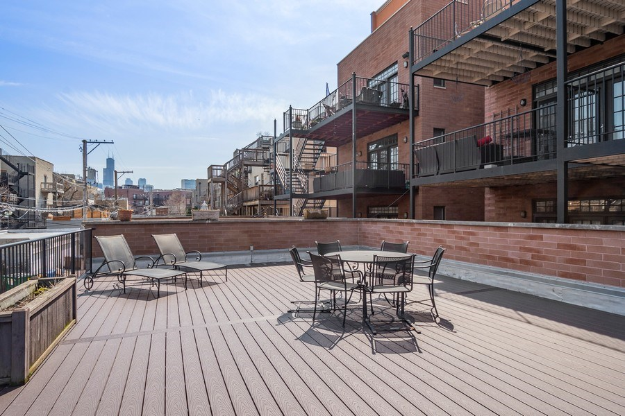 Real Estate Photography - 1363 N Mohawk, Unit 1, Chicago, IL, 60610 -