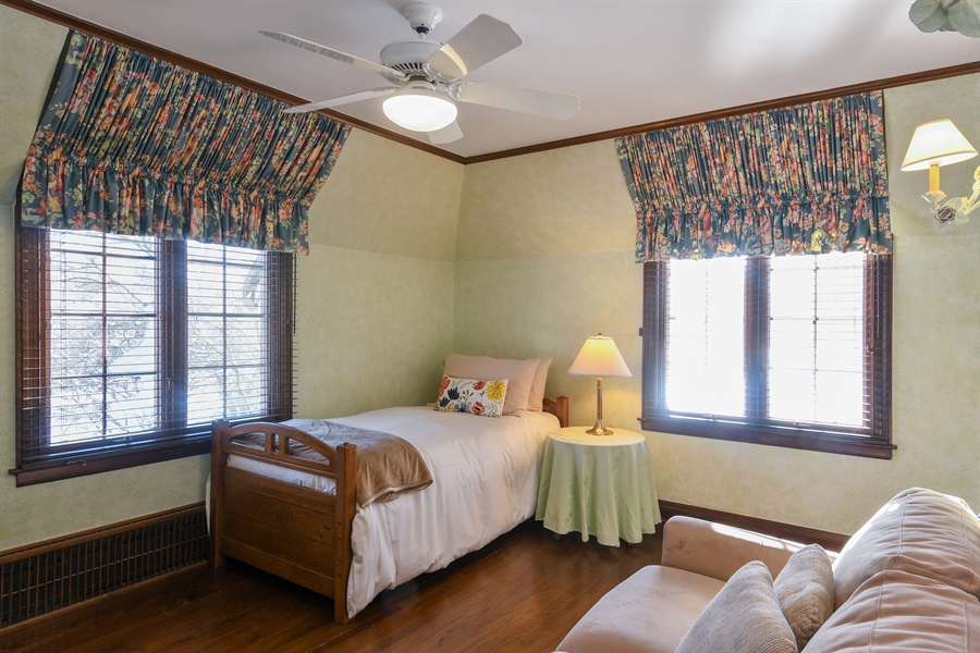 Real Estate Photography - 1041 Locust Rd, Wilmette, IL, 60091 - 2nd Bedroom