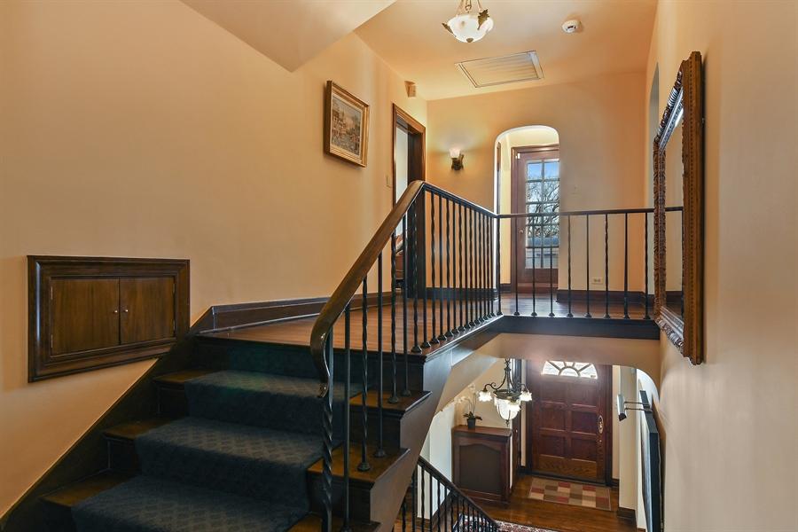 Real Estate Photography - 1041 Locust Rd, Wilmette, IL, 60091 - 2nd Floor Corridor