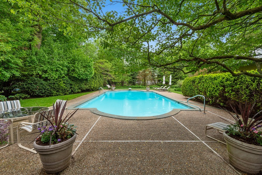 Real Estate Photography - 1041 Locust Rd, Wilmette, IL, 60091 - Pool