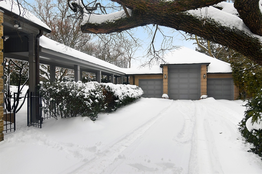 Real Estate Photography - 1041 Locust Rd, Wilmette, IL, 60091 - Garage