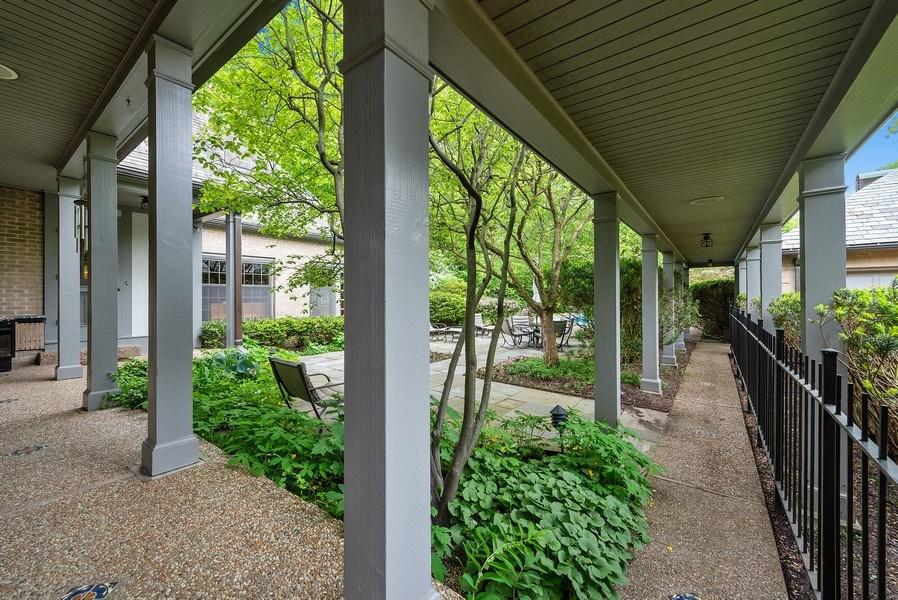 Real Estate Photography - 1041 Locust Rd, Wilmette, IL, 60091 - Patio
