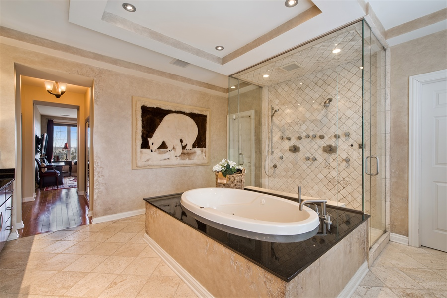 Real Estate Photography - 2048 Valor Ct, Glenview, IL, 60026 - Master Bathroom