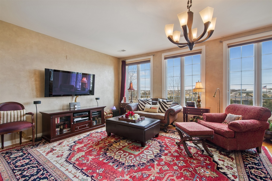 Real Estate Photography - 2048 Valor Ct, Glenview, IL, 60026 - Master Bedroom