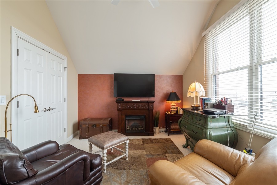 Real Estate Photography - 2048 Valor Ct, Glenview, IL, 60026 - Bedroom