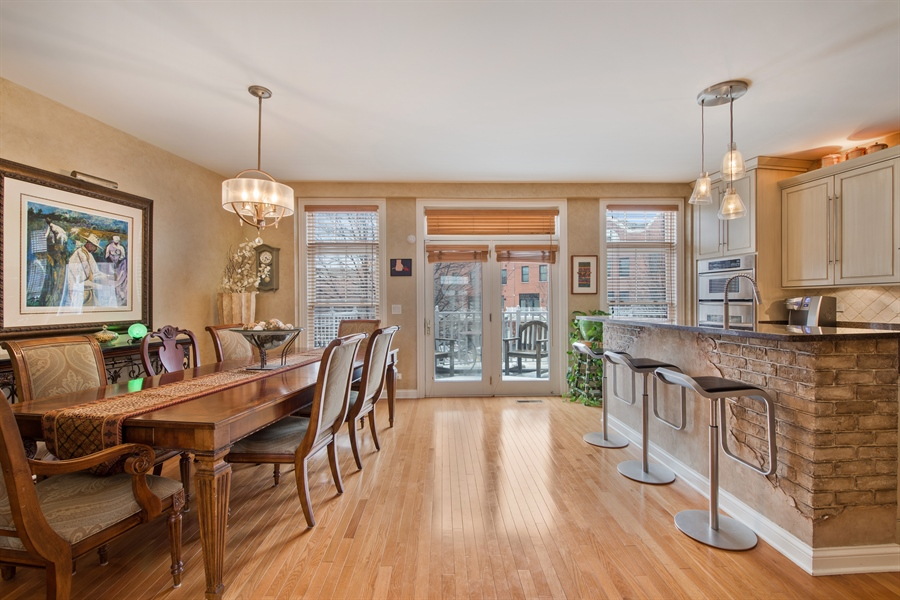 Real Estate Photography - 2048 Valor Ct, Glenview, IL, 60026 - Kitchen / Dining Room