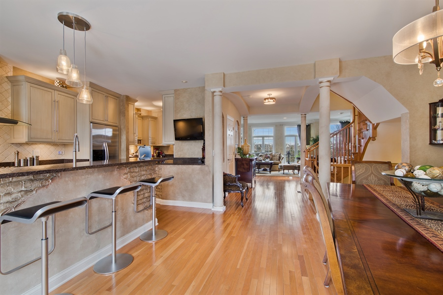 Real Estate Photography - 2048 Valor Ct, Glenview, IL, 60026 - Kitchen/Dining