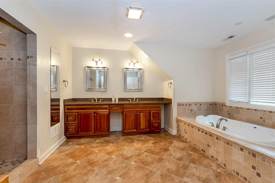 Real Estate Photography - 809 Glenwood Ln, Glenview, IL, 60025 - Master Bathroom