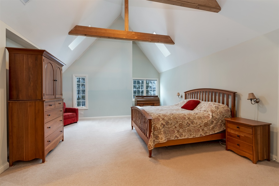 Real Estate Photography - 809 Glenwood Ln, Glenview, IL, 60025 - Master Bedroom