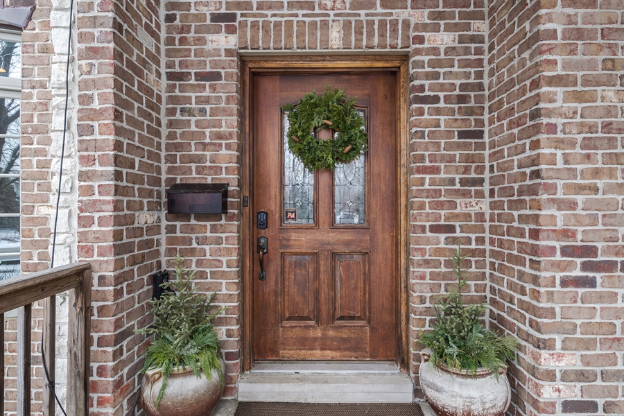 Real Estate Photography - 809 Glenwood Ln, Glenview, IL, 60025 - Entryway