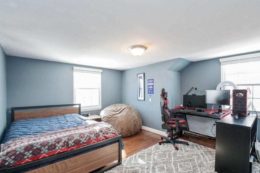 Real Estate Photography - 1733 Stevens Dr, Glenview, IL, 60025 - Bedroom