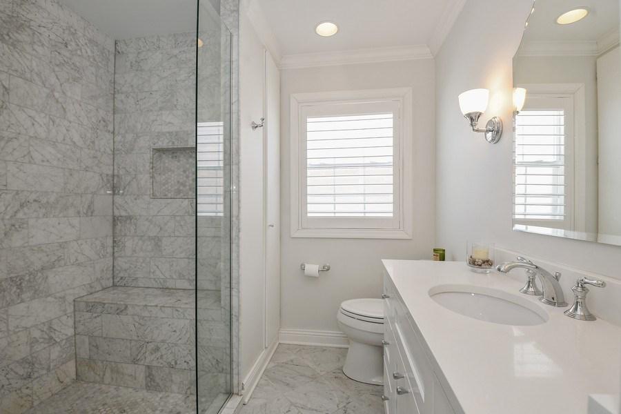 Real Estate Photography - 1733 Stevens Dr, Glenview, IL, 60025 - Bathroom