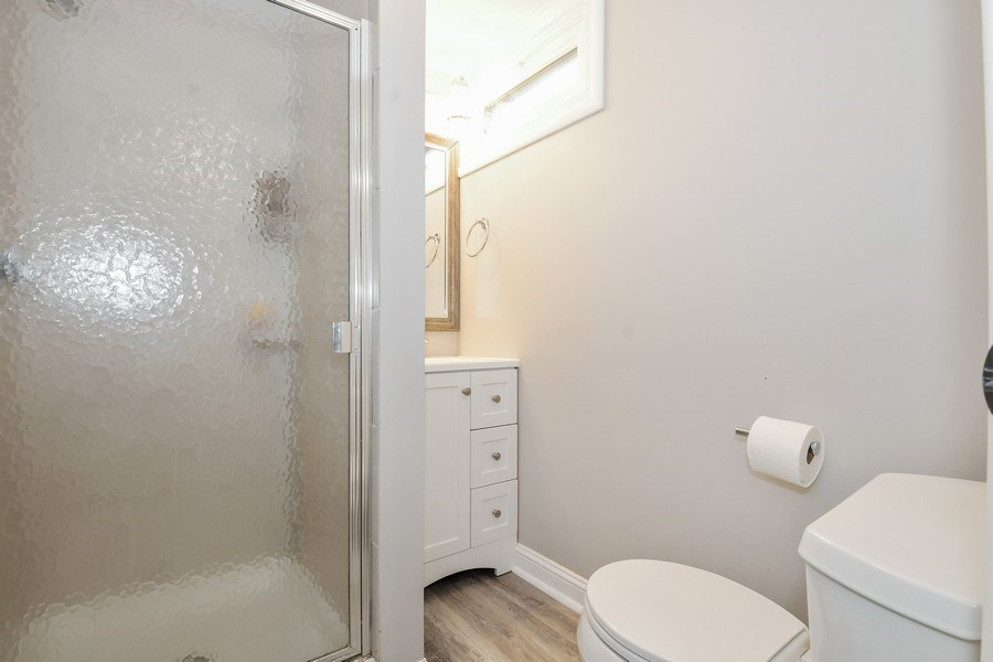 Real Estate Photography - 1733 Stevens Dr, Glenview, IL, 60025 - 2nd Bathroom