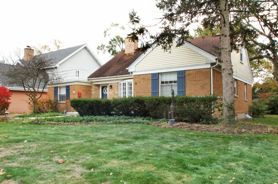 Real Estate Photography - 1733 Stevens Dr, Glenview, IL, 60025 -