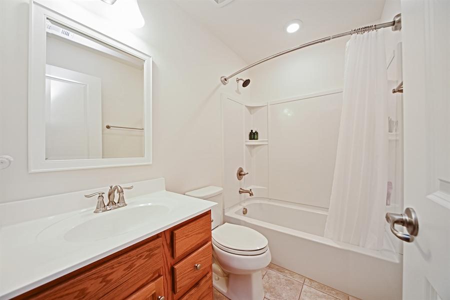 Real Estate Photography - 890 Sunburst Lane, Gilberts, IL, 60136 - 2nd Bathroom