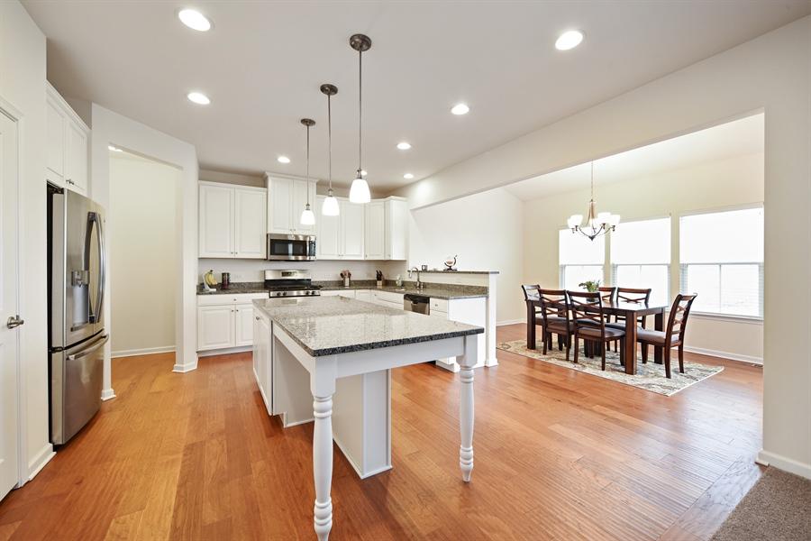 Real Estate Photography - 890 Sunburst Lane, Gilberts, IL, 60136 - Kitchen / Dining Room