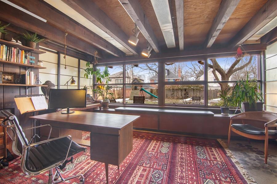 Real Estate Photography - 565 Meadow Rd, Winnetka, IL, 60043 - Office