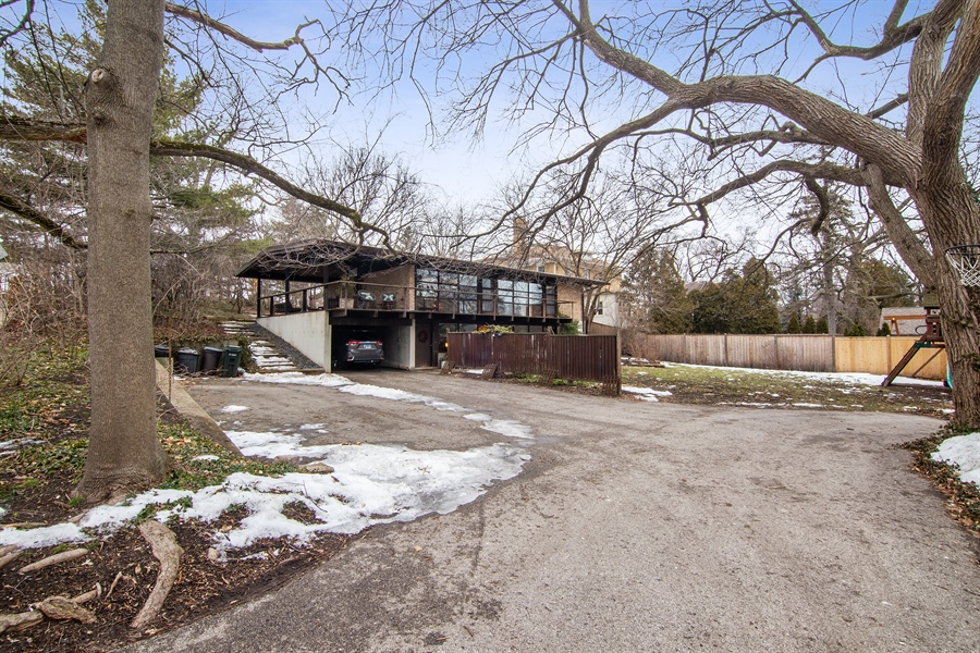 Real Estate Photography - 565 Meadow Rd, Winnetka, IL, 60043 - Front View