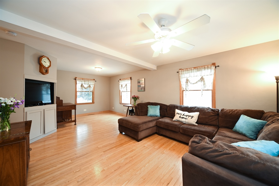 Real Estate Photography - 310 N Owen St, Mount Prospect, IL, 60056 - Living Room