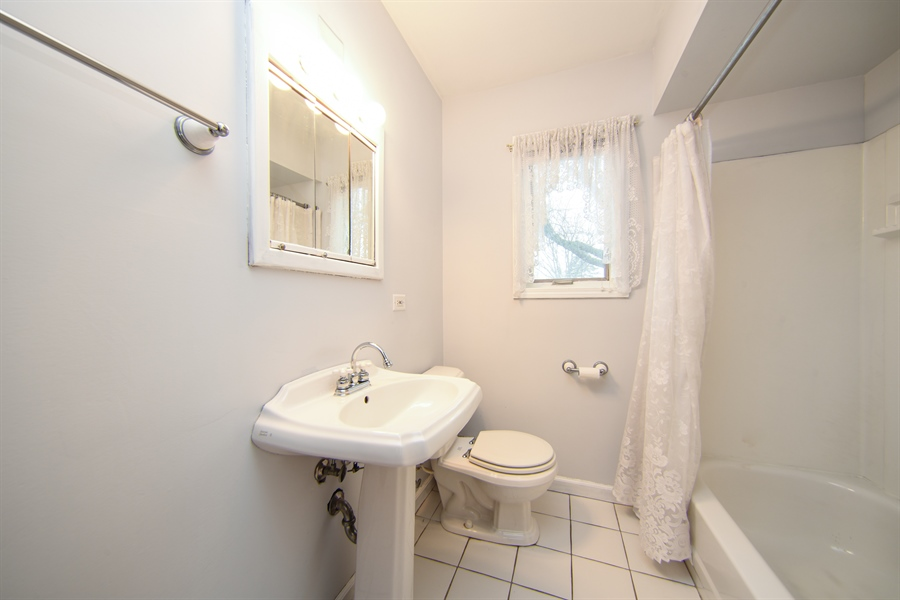 Real Estate Photography - 310 N Owen St, Mount Prospect, IL, 60056 - 3rd Bathroom