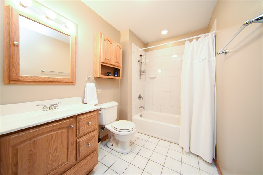 Real Estate Photography - 310 N Owen St, Mount Prospect, IL, 60056 - 2nd Bathroom