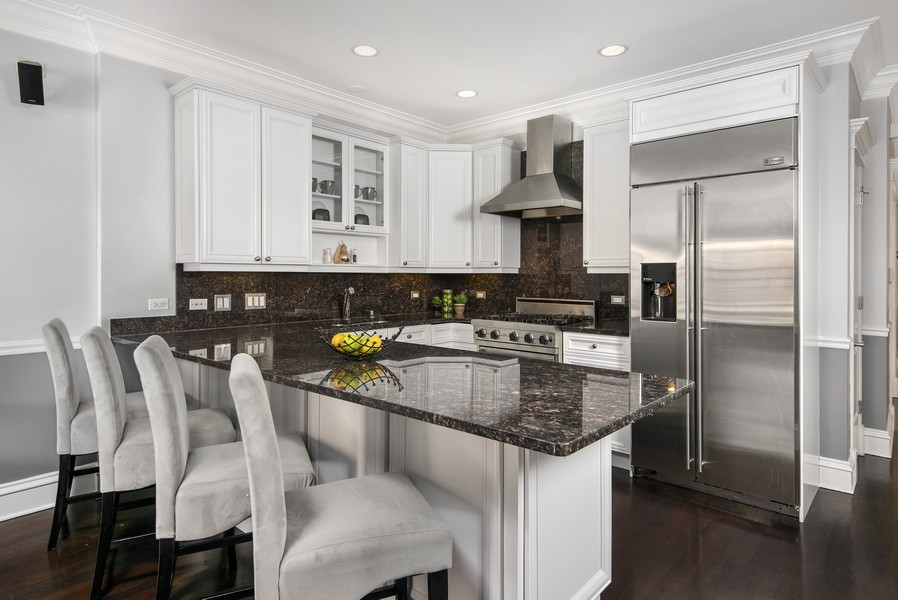 Real Estate Photography - 2625 N HALSTED STREET 3, Chicago, IL, 60614 -