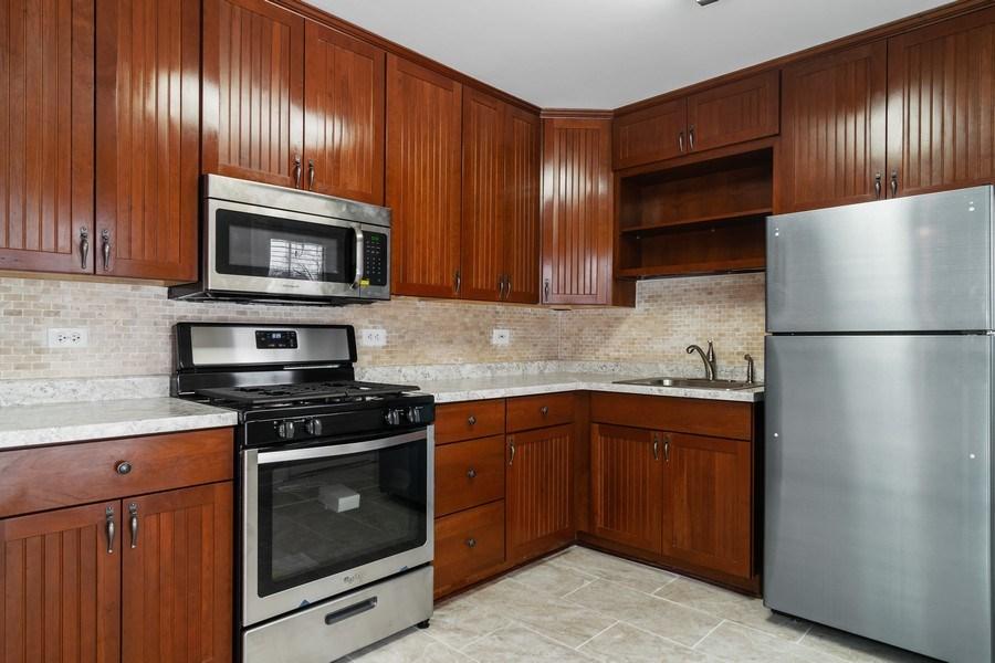 Real Estate Photography - 520 Maywood Lane, Hoffman Estates, IL, 60169 - Kitchen
