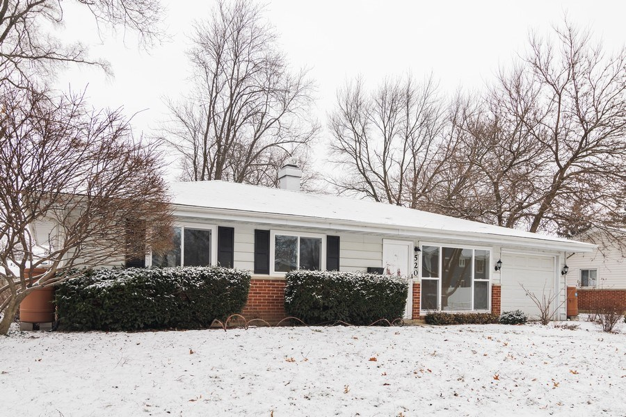 Real Estate Photography - 520 Maywood Lane, Hoffman Estates, IL, 60169 - Front View