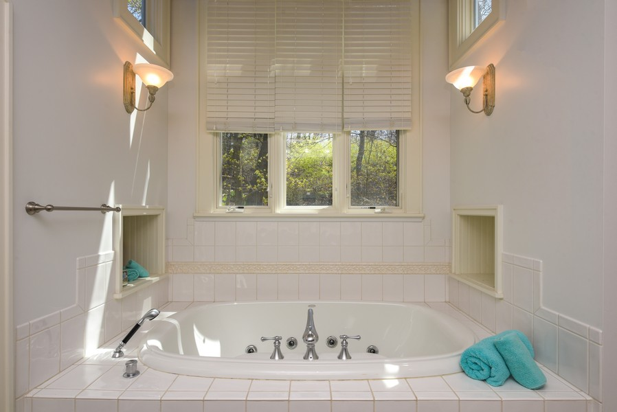 Real Estate Photography - 13173 Sunset Point, New Buffalo, MI, 49117 - Master Bath with Jacuzzi Tub
