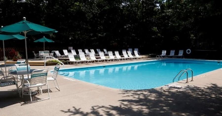 Real Estate Photography - 13173 Sunset Point, New Buffalo, MI, 49117 - Association Pool