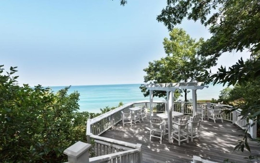 Real Estate Photography - 13173 Sunset Point, New Buffalo, MI, 49117 - Association Viewing Deck