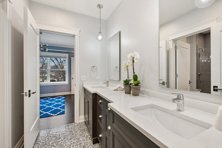 Real Estate Photography - 467 Provident Avenue, Winnetka, IL, 60093 - Jack and Jill Bathroom