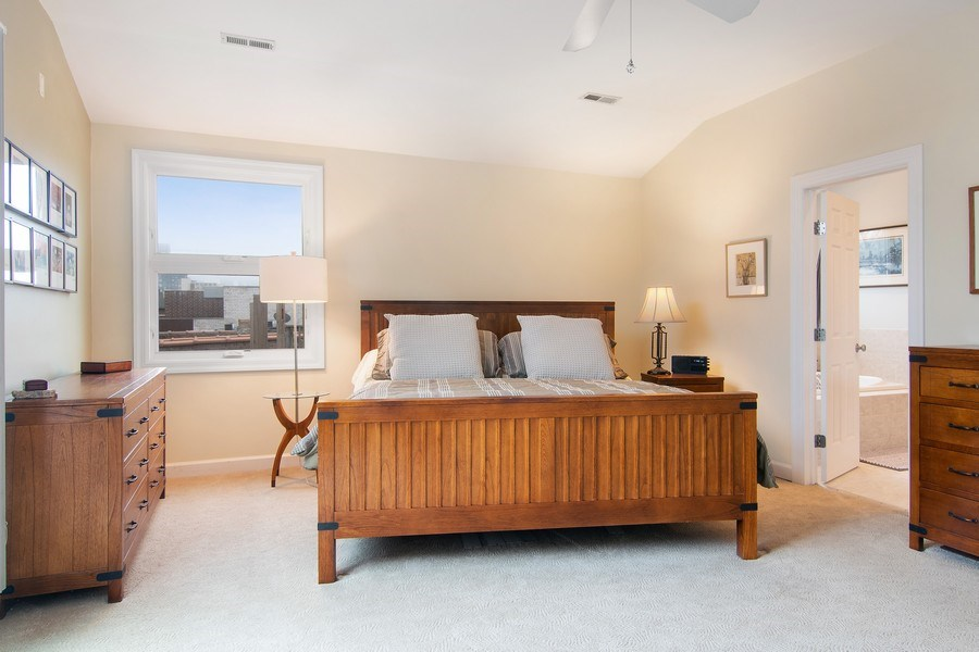 Real Estate Photography - 1541 N. North Park Avenue, #3S, Chicago, IL, 60610 - Master Bedroom