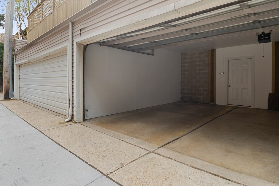 Real Estate Photography - 1541 N. North Park Avenue, #3S, Chicago, IL, 60610 - Garage