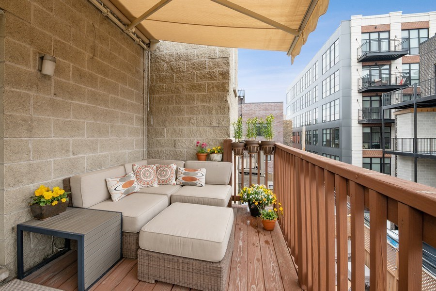 Real Estate Photography - 1541 N. North Park Avenue, #3S, Chicago, IL, 60610 - Patio