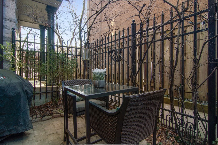 Real Estate Photography - 2500 Seminary, 3W, Chicago, IL, 60614 - Patio