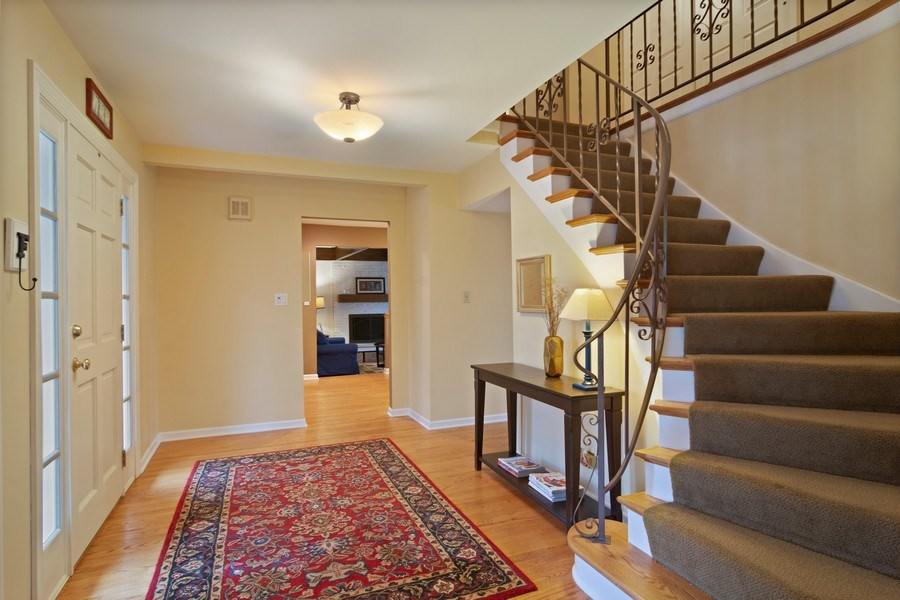 Real Estate Photography - 133 N Rammer, Arlington Heights, IL, 60004 - Foyer