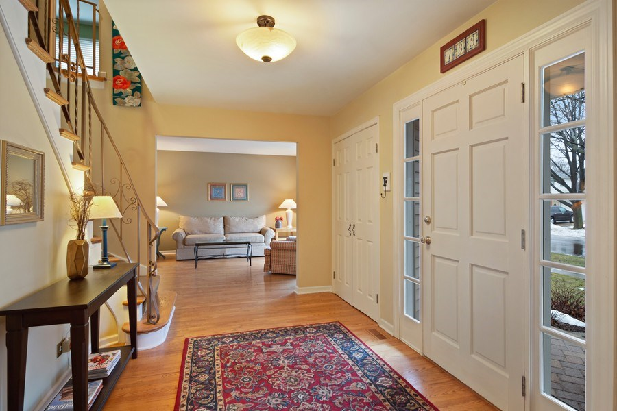 Real Estate Photography - 133 N Rammer, Arlington Heights, IL, 60004 - Entryway
