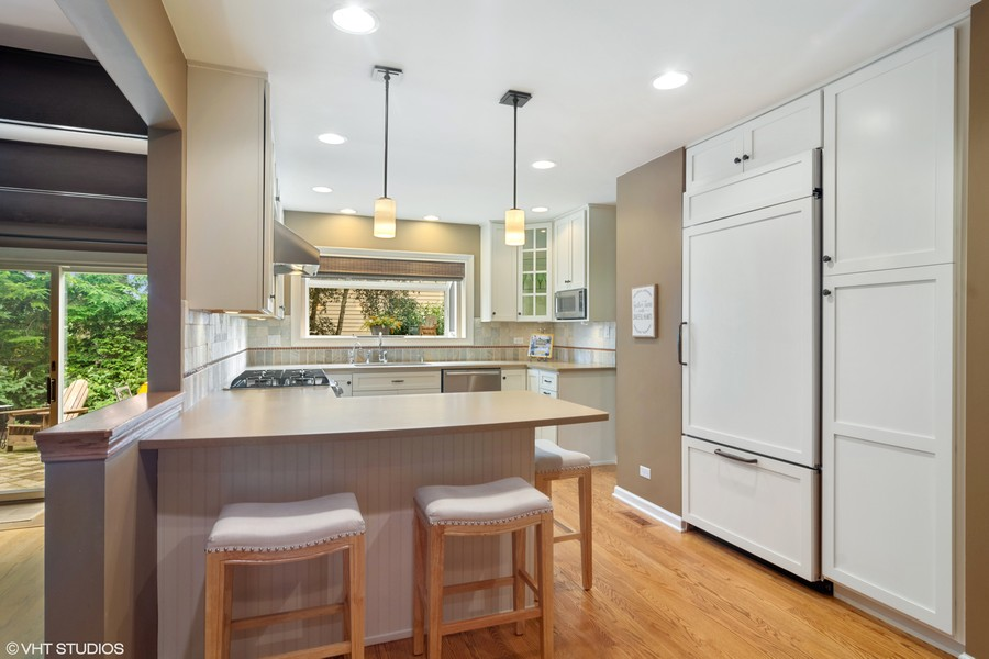 Real Estate Photography - 133 N Rammer, Arlington Heights, IL, 60004 - Kitchen Breakfast Bar