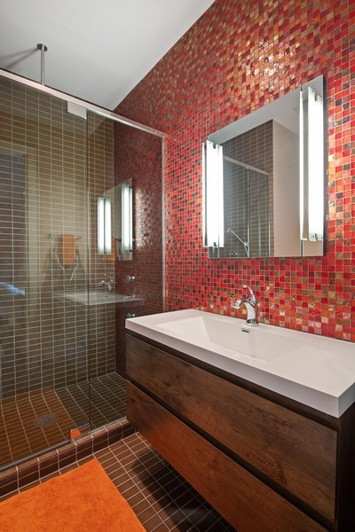 Real Estate Photography - 3310 N Leavitt Ave, Chicago, IL, 60618 - 3rd Bathroom