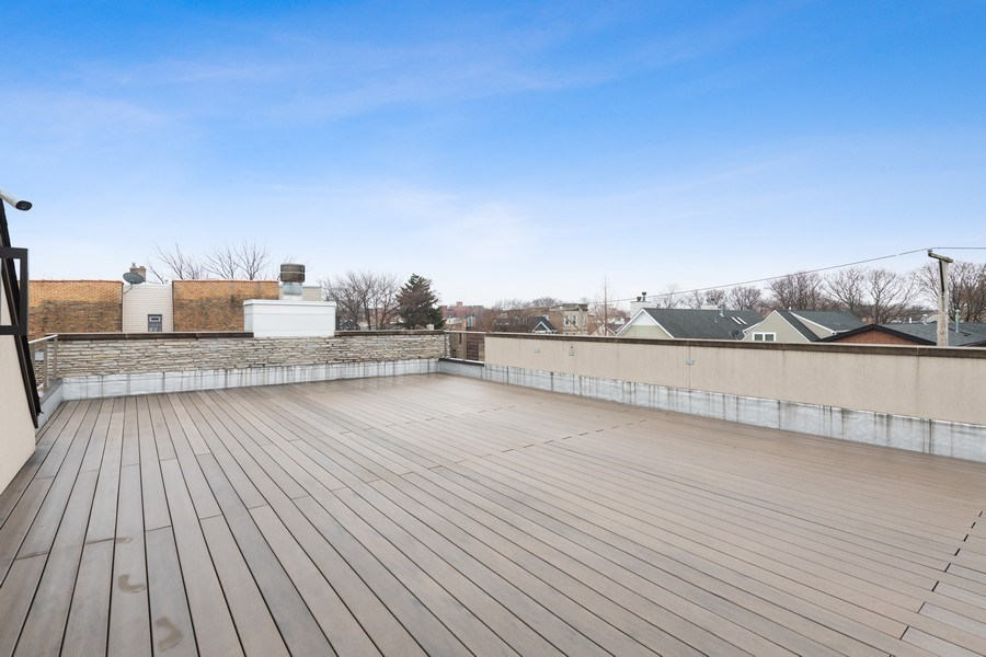 Real Estate Photography - 3310 N Leavitt Ave, Chicago, IL, 60618 - Roof Deck