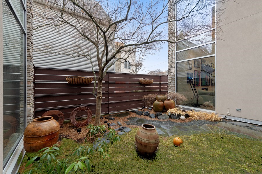 Real Estate Photography - 3310 N Leavitt Ave, Chicago, IL, 60618 - Side Yard